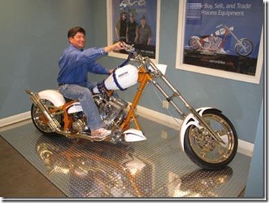 look whos on aaron bike