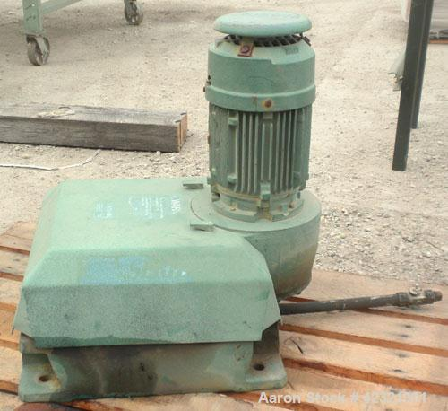 Used- Lightnin Series 10 Top Entering Agitator, Model 14Q2. Ratio 14.06 to 1, output 125 rpm. Includes a 2'' diameter x appr...