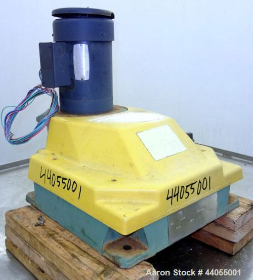 Used- Lightnin Series 10 Top Entering Agitator, Model 14Q2. Ratio 14.06 to 1, output 125 rpm. Driven by a 2hp, 3/60/208-230/...