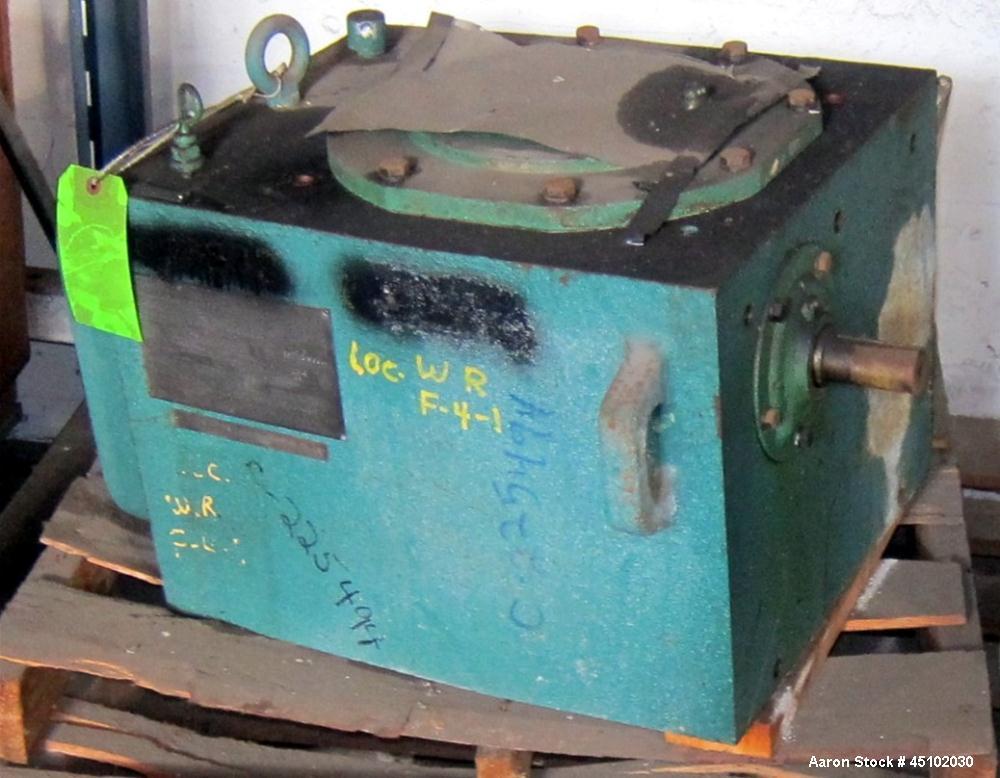 Used-Lightnin Top mounted gearbox, No motor or motor bracket.