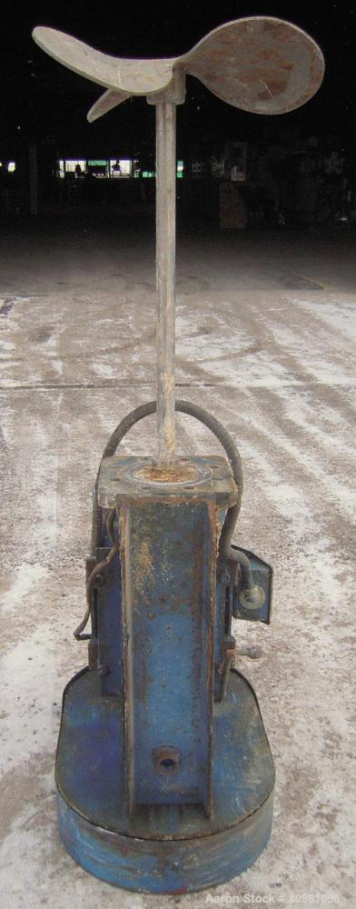 Used- Side Entering Agitator. 1 1/4'' diameter x approximately 24'' long 316 stainless steel shaft. 17'' diameter 3 blade pr...