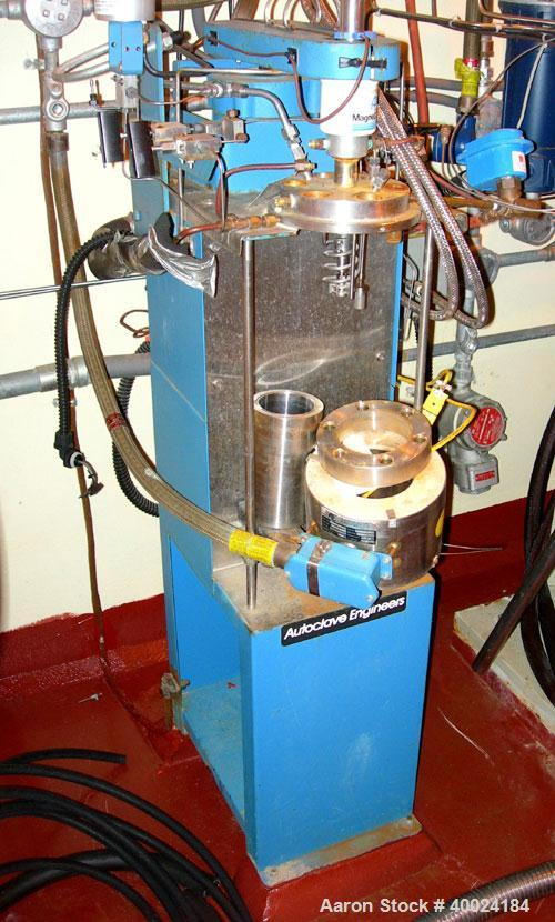 """Used- Autoclave Engineers Approximately 1/2 Gallon Autoclave, Hastelloy Construction. 6"""" diameter x 4"""" deep. Bolted top head..."""