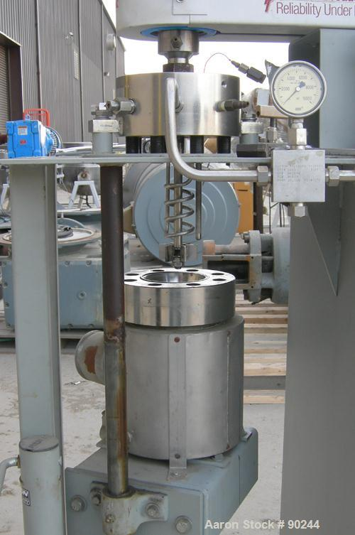 "USED- Pressure Products Industries Autoclave/Reactor, 1000 ML (.30 gallon), 316 stainless steel. 3"" diameter x 10"" deep cham..."