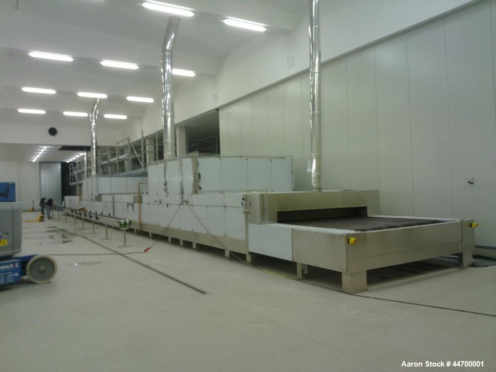 Used-Tunnelo Oven for Cakes.  Dimensions:  8.2' x 98' (2.6M x 30M).  (2) Burner towers.  (1) All stainless steel.  50 Hz.