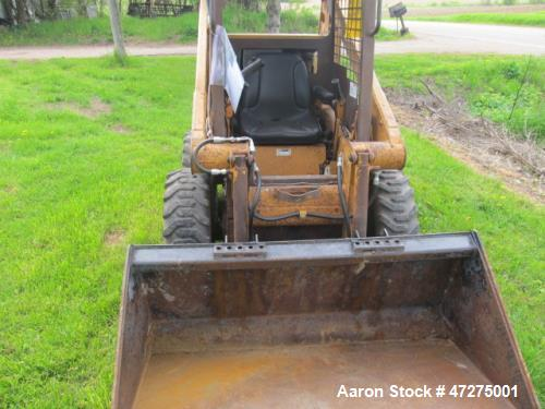 Used- Case 1825 Skid Steer. 25 hp, Kubota diesel, lifting approximately 1000 lbs. Runs and drives.
