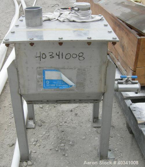 """Used- Flexibile screw feeder. 13"""" X 13"""" X 8 1/2"""" deep 304 stainless steel hopper, top cover with (2) 2 1/2"""" openings. Mounte..."""