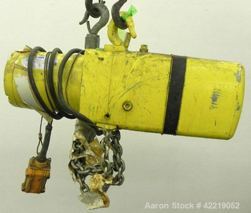 Used- Yale 1/2 Ton Chain Hoist, model KEL1/2-10TH15S1. Driven by a 1 hp, 3/60/230/460 volt, 1700 rpm motor.