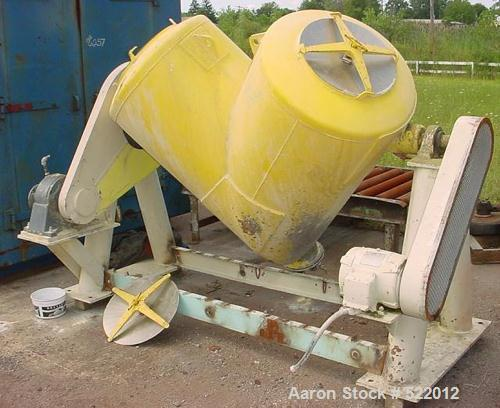 USED: Patterson Kelley 20 cubic foot twin shell blender rated at 65 lbs per cubic foot maximum material density. Stainless s...