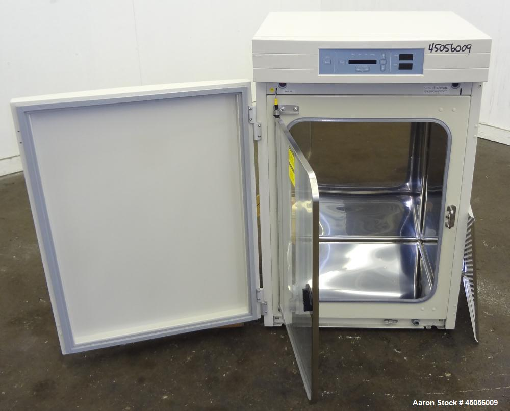 Forma Scientific Single Chamber CO2 Water Jacketed Incubator, Model 3110