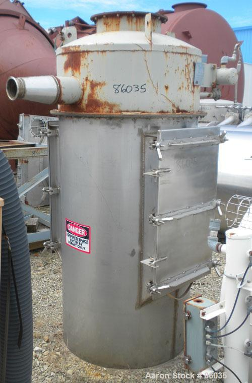Used- Flex-Kleen Bin Vent Dust Collector, Model 58CT14-II, 304 Stainless Steel. Approximate 102 square feet filter area. Hou...