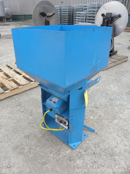 Used- FMC Magnetic Vibratory Feeder, model F-010B, carbon steel. Approximately 10'' wide x 20'' long pan, 60 hz/115 volt. In...