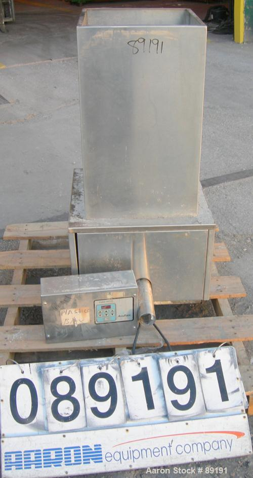 "USED: Accurate volumetric dry material feeder. Approximate 2-1/4"" diameter x 30"" long 304 stainless steel screw, feed rate t..."