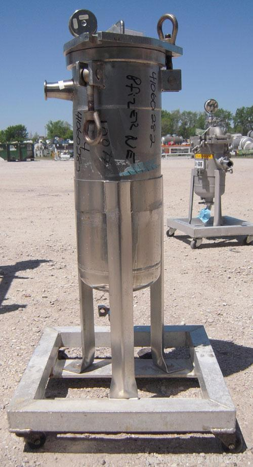 """Used- Mesh Basket Filter, 304 Stainless Steel. Approximate8 1/2"""" diameter x24"""" deep vessel.6 1/2"""" diameter x 12"""" deep bas..."""
