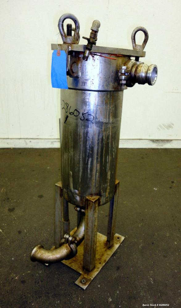 "Used- Filtration Filter, 316 Stainless Steel. 9"" Diameter 21"" long. Approximate 2"" inlet/outlet. Screw down top cover. Mount..."
