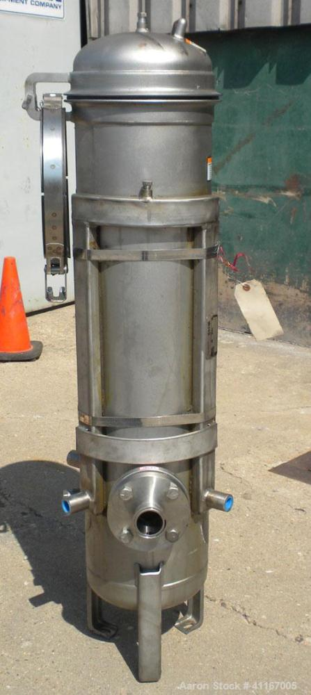 Used- Parker FulFlo Multi-Cartridge Filter, model FHS7T2FVP, 316L stainless steel. Typical flow rate 147 gallons per minute....