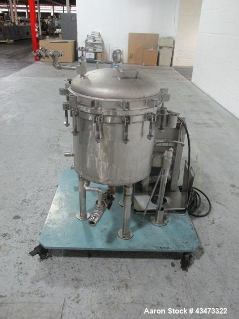 Used- Sparkler Filter, Model 18D6, 316 Stainless Steel. Internal rated 100 psi at 350 degrees F. Rated 12.88 square feet sur...