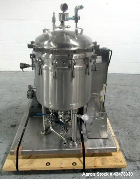 Used- Sparkler Filter, Model 18-D-6, 316L Stainless Steel. Internal rated 60 psi at 350 degrees F. 304 Stainless steel jacke...