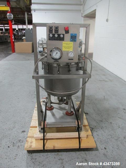 Used- Sparkler Filter, Model 18D8, 316 Stainless Steel. Internal rated 60 psi at 350 degrees F. Carbon steel jacket rated 50...