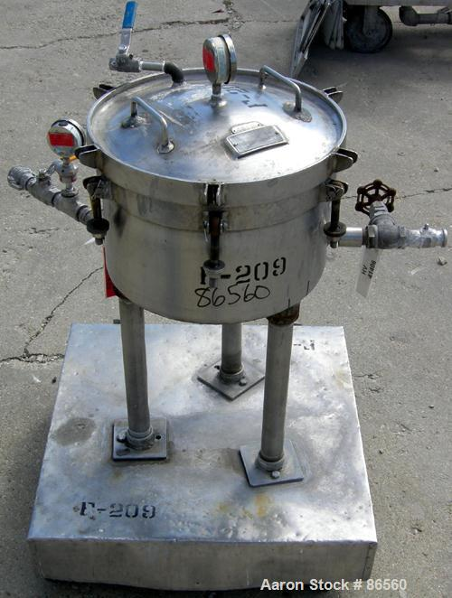 USED- Sparkler Horizontal Plate Filter, Model 4-4, 304 Stainless Steel. Approximately 3.2 square foot filter area, .21 cubic...