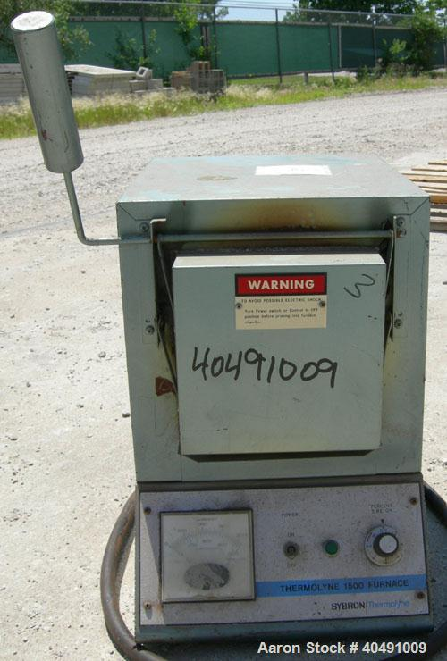 Used- Thermolyne Benchtop Industrial Furnace, Model F-D1525M. Operating temperature 100-1200 deg C (212-2192 F). 136 cubic i...