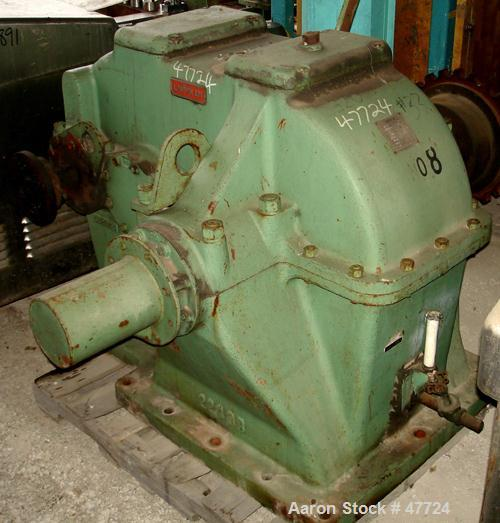 USED: Lufkin parallel shaft gearbox, size D228. Input 700 rpm, ratio 28.45:1. Service rating 75 hp, service factor 1.54. Cat...