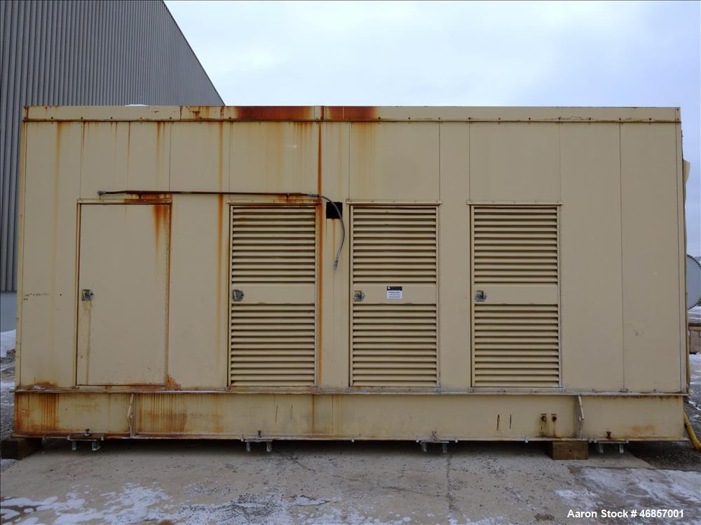 Used- Caterpillar 800 kW natural gas generator. CAT G3516 engine