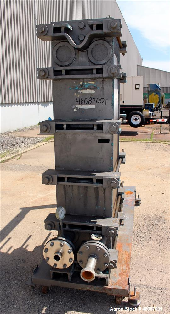 Used- APV Creapco Plate Heat Exchanger, Model R56-T, Approximate 565 Square Feet, Vertical. (85) 316 Stainless steel plates,...