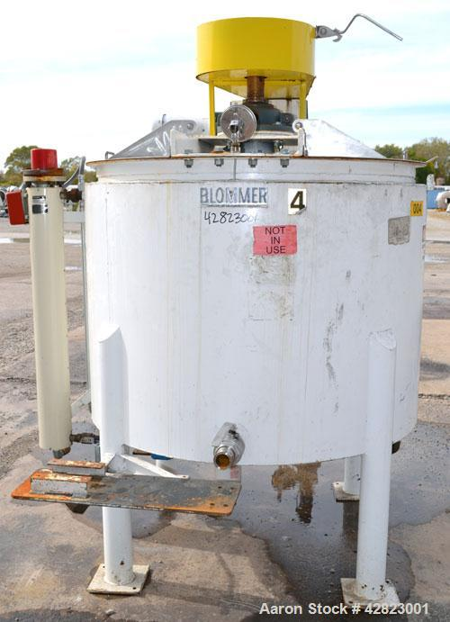 Used- Blommer Chocolate Machinery Melt Tank, 350 Gallon, Carbon Steel. Approximately 52'' diameter x 40'' deep, flat top wit...