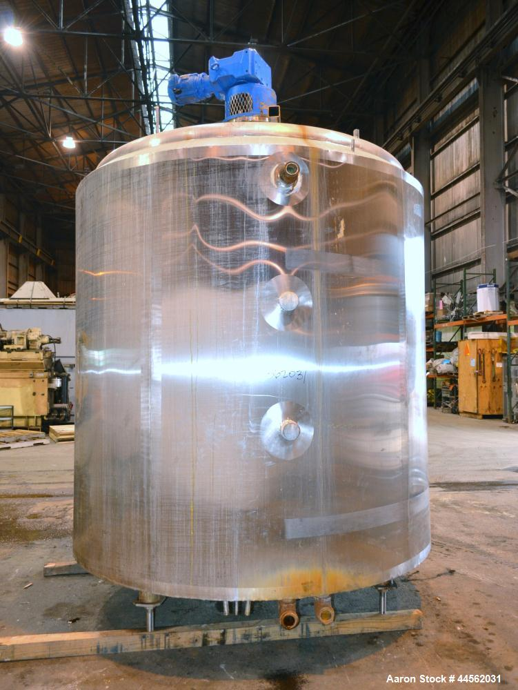 "Used- Kettle, Approximately 2000 Gallon, 304 Stainless Steel, Vertical. 84"" Diameter x 84"" straight side, dished top, sloped..."