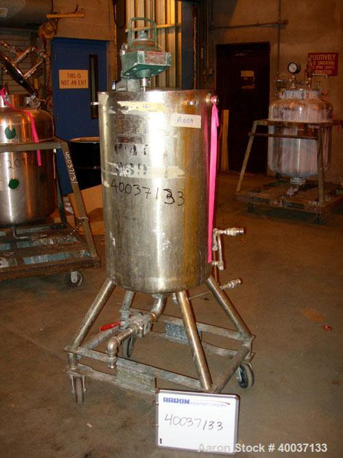 "Used-Used: Acme Industrial Kettle, 40 gallon, stainless steel, vertical. 19"" diameter x 32 1/2"" straight side, open top, no ..."