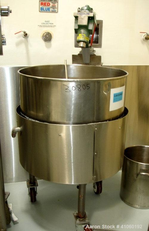 Used- Groen Kettle, 80 Gallon, Model N80SP. Stainless steel construction, jacketed for 45 psi at 300 F, air opertated Lightn...