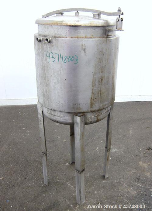 "Used- Kettle, 35 Gallon, 304 Stainless Steel, Vertical. Approximately 20"" diameter x 24"" straight side. Dished removable top..."