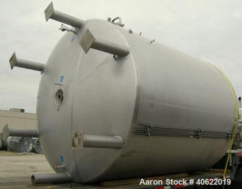 "Used- Mueller 6,100 gallon kettle, model F, 304 stainless steel, vertical.  112"" diameter x approx. 134 7/8"" straight side. ..."