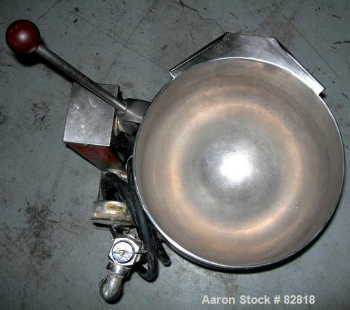 USED: Groen electrically heated, self-contained, steam source kettle, 2.5 gallon (10 quart), model TDB/6-10, 304 stainless s...