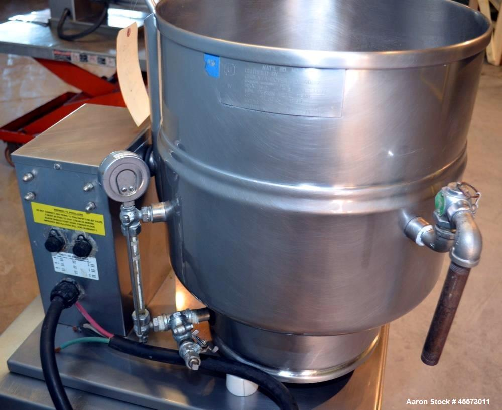 Used- 40 Quart Stainless Steel Groen Jacketed Tilting Kettle