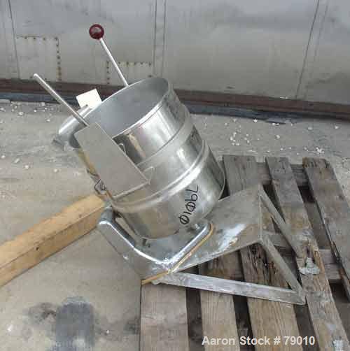 "USED: Groen table top steam jacket kettle, 20 quart (5 gallon), 304 stainless steel, model TDC/2-20. Vertical, 12"" diameter ..."