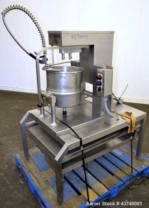 """Used- Groen Double Motion Table Top Steam Jacket Kettle, 20 Quart (5 Gallon), Model TDC/3-20, 304 Stainless Steel.  12"""" Diam..."""