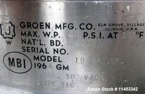 "Used- Groen Kettle, 10 Gallon. 316 Stainless steel construction, 16"" diameter x 15"" deep, removable dish top, with (2) 2"" , ..."