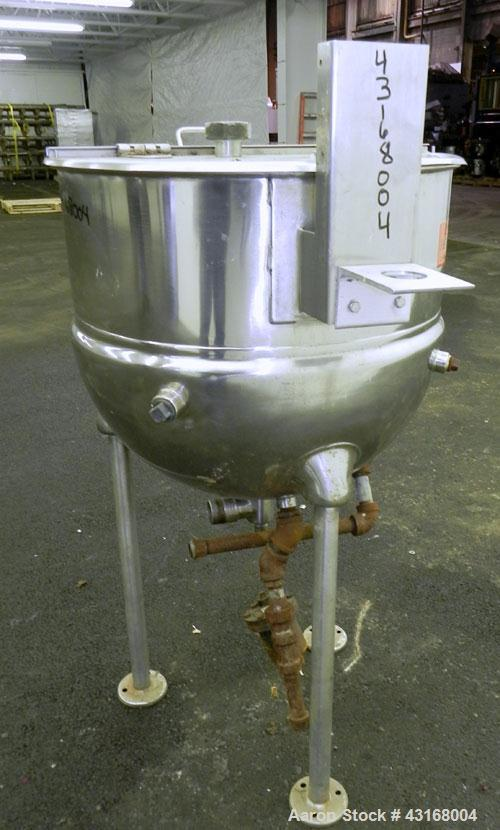 "Used- Kettle, 25 Gallon, 316 Stainless Steel, Vertical.  24"" Diameter x 20"" deep. Open top with a 1 piece hinged cover, 304 ..."