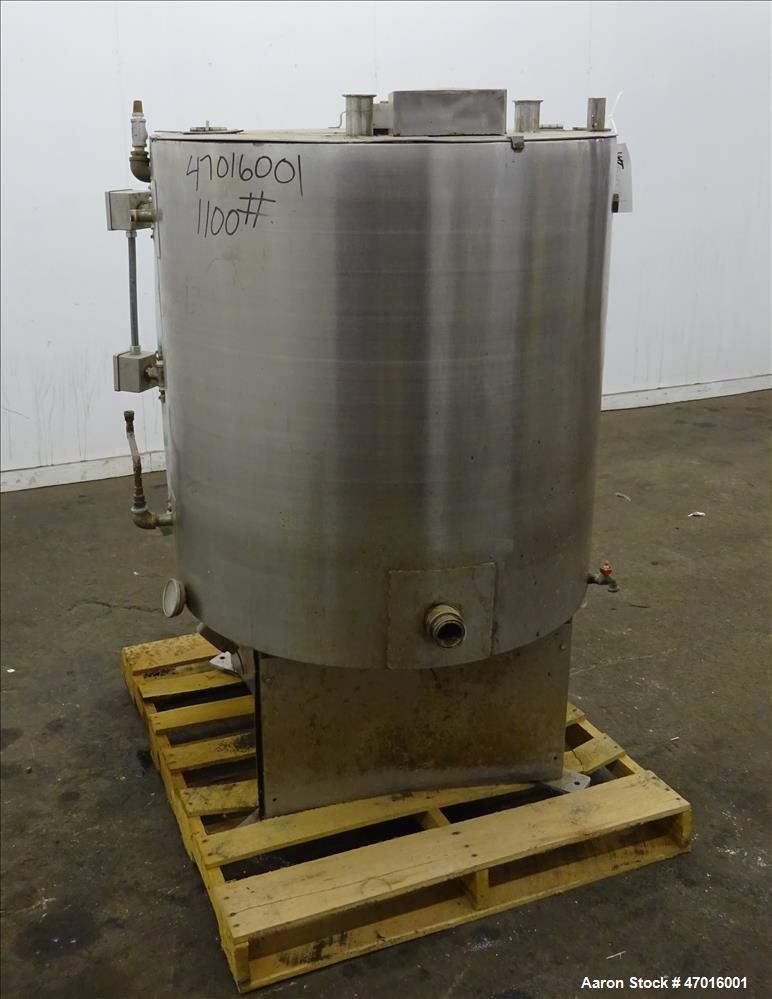 """Used- Kettle, 304 Stainless Steel, Approximate 150 Gallons, Vertical. Approximate 36"""" diameter x 36"""" straight side, flat top..."""