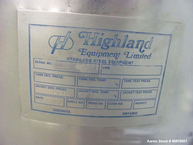 """Used- Highland Equipment Limited Kettle, 20 Gallon, 304 Stainless Steel, Vertical. Approximate 18"""" diameter x 20"""" straight s..."""