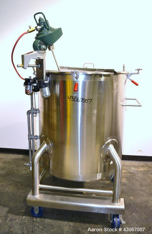 Used- Lee Industries Kettle, 100 Gallon, Model 100 UPBT, 316L Stainless Steel, Vertical. Approximately 30'' diameter x 34'' ...