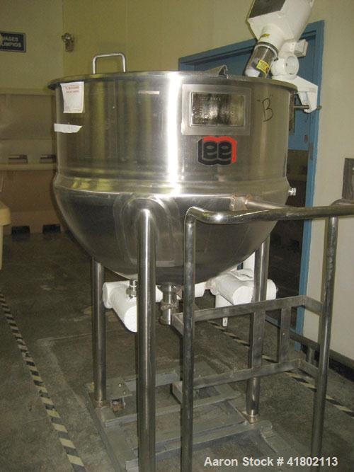 "Used- Lee Industries Kettle, 100 Gallon, Model 100D, Stainless Steel, Vertical. 36"" diameter x approximately 30"" deep. Open ..."