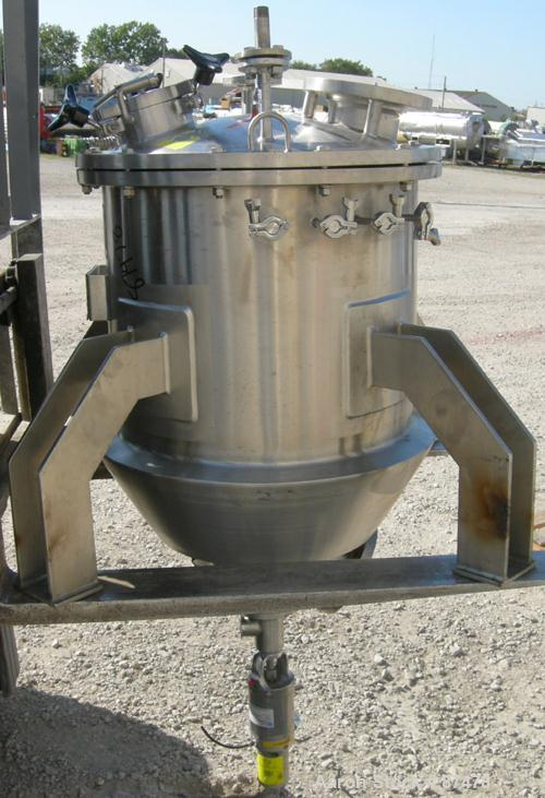 "Used- Lee Industries Kettle, 40 Gallon, Model 100LUCBT, 304 Stainless Steel, Vertical. 24"" Diameter x 20"" straight side x 20..."