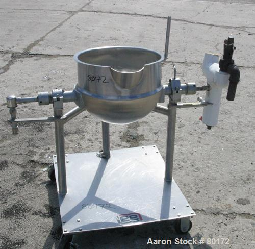 """USED: Lee super jacketed trunion mounted kettle, model 10CD. 316 stainless steel, 10 gallon, 17"""" diameter x 14"""" deep, open t..."""