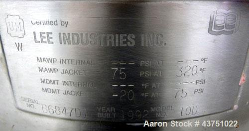 """Used- Lee Industries Kettle, 10 Gallon, Model 10D, 304 Stainless Steel. Approximate 18"""" diameter x 14"""" deep. 1 Piece hinged ..."""