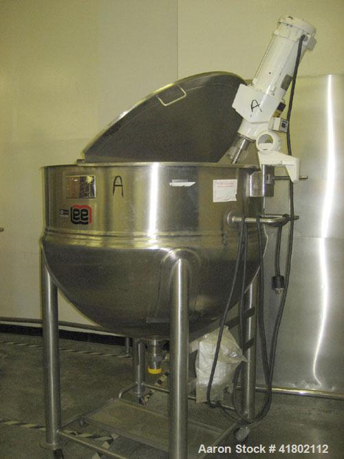 "Used- Lee Industries Kettle, 200 Gallon, Model 200D, Stainless Steel, Vertical. 48"" diameter x approximately 34"" deep. Open ..."