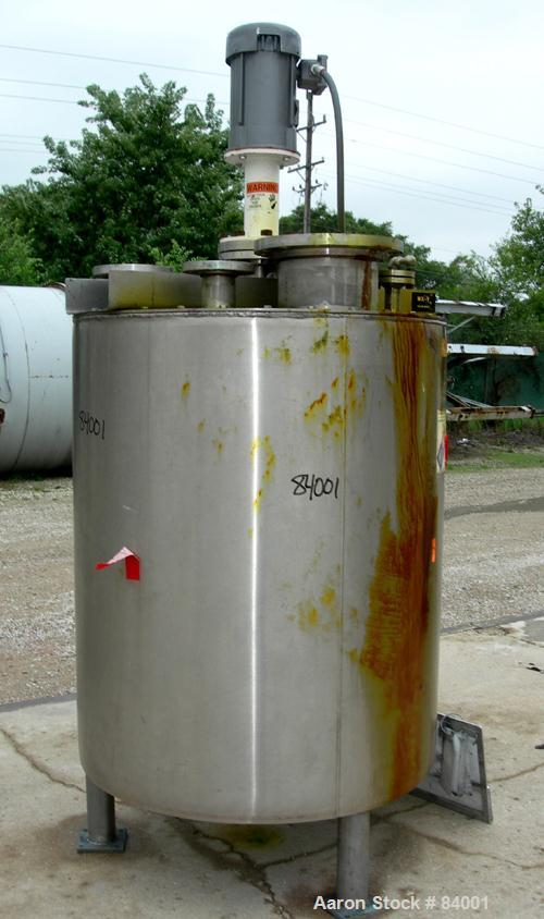"USED: Lee Industries Kettle, 250 gallon, 304 stainless steel, vertical. 40"" diameter x 48"" straight side. Flat bolt on top, ..."