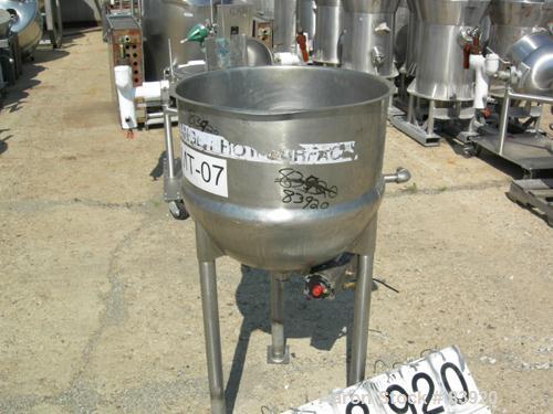 "USED: Lee Industries 25 gallon kettle, 316 stainless steel. 23""diameter x 10"" straight side. Hemispherical bottom. Jacket ra..."
