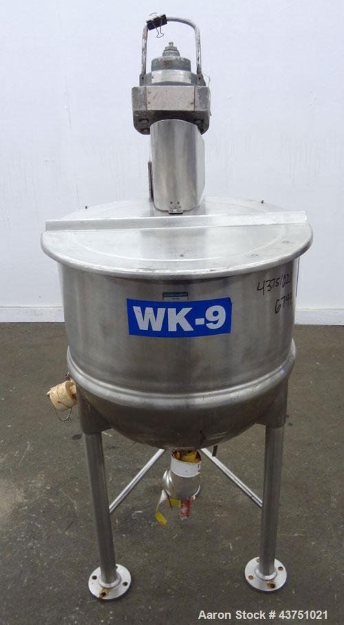 """Used- Lee Industries Kettle, 30 Gallon, Model 30D, 316 Stainless Steel. Approximate 23"""" diameter x 22-1/2"""" deep. 1 Piece hin..."""